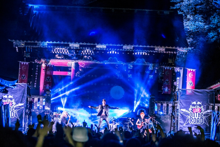 Crossfaith「第一回世界遺産巡業特別公演 '日光の編'」の様子。(Photo by Yusuke Kashiwazaki)