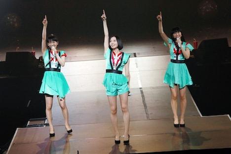 Perfumeのライブの様子。(撮影:柴田恵理)