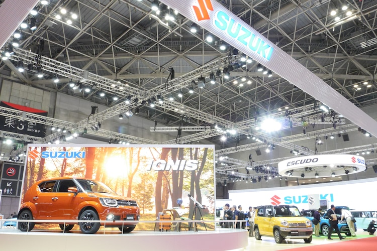 ももクロと川上マネージャーがドライブで訪れる「第44回東京モーターショー2015」の様子。(c)BS朝日