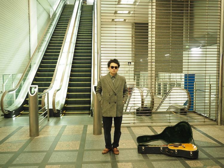 前野健太ニューアルバムは全曲弾き語り、プロデュースは九龍ジョー