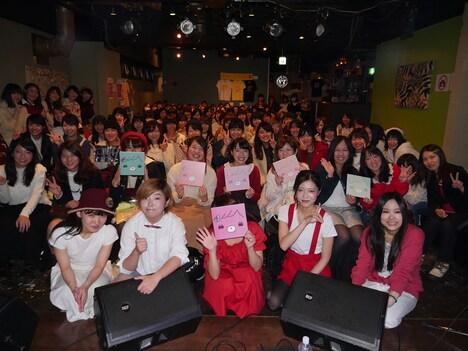 東京・gee-geで開催されたフリーライブ「シティーガールの休日」の様子。(撮影:吉川英里)