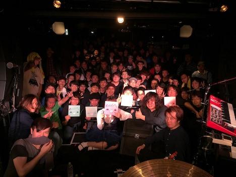 東京・下北沢 LIVEHOLICで開催されたフリーライブ「シティーボーイの妄想」の様子。