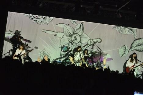 「お口ポカーンフェス?! NEGOTO 5th Anniversary ~バク TO THE FUTURE~」3rdステージの様子。(Photo by AZUSA TAKADA)