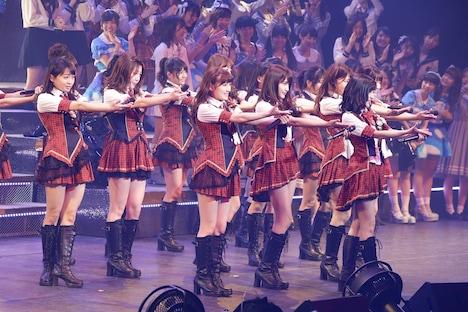 「AKB48単独リクエストアワー セットリストベスト100 2016」2016年1月16日の昼公演の様子。(c)AKS