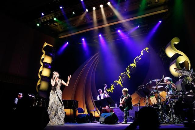 「MTV Unplugged」収録ライブの様子。