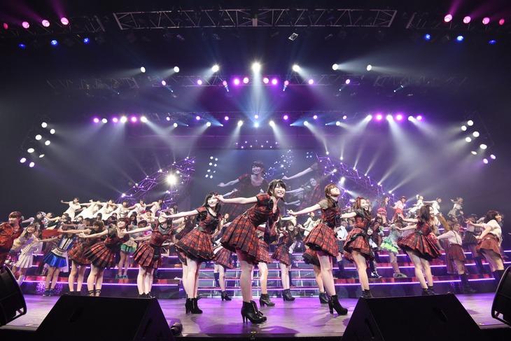 「AKB48グループリクエストアワー セットリストベスト100 2016」1月23日夜公演の様子。(c)AKS