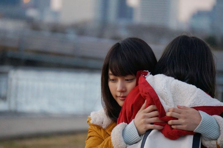 手嶌葵「明日への手紙」ミュージックビデオのワンシーン。