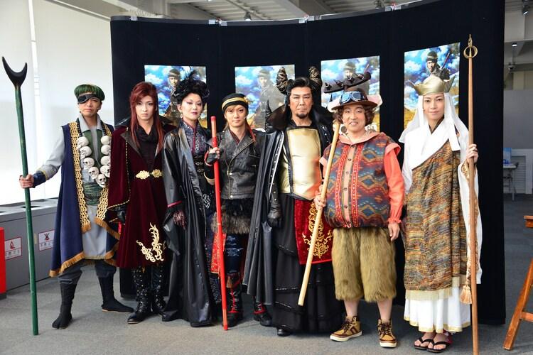 「GOKU」囲み取材の様子。左より土屋佑壱、佐々木喜英、大沢逸美、