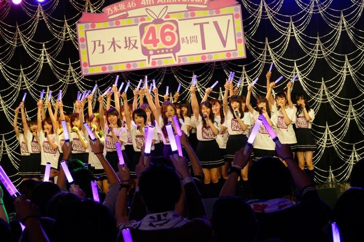「乃木坂46 4th Anniversary 乃木坂46時間TV」内「深川麻衣 selection songs~乃木坂46は、好きですか?~」の様子。(写真提供:ソニー・ミュージックレコーズ)