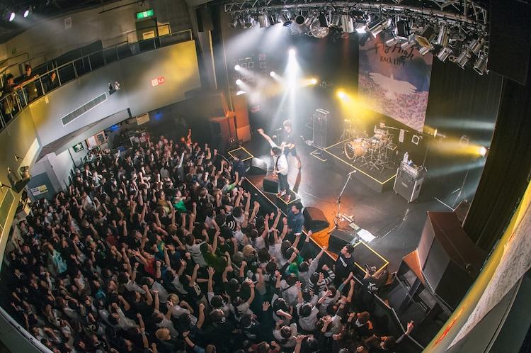 "「BACK LIFT ""Fly High"" Tour Final」の様子。(撮影:ヤオタケシ)"