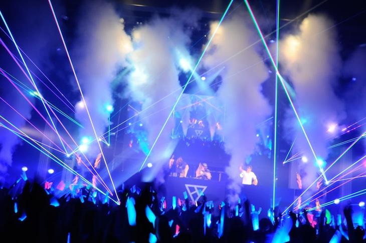 「EXIT TUNES DANCE PARTY 2016-SOUND VOLTEX FLOOR ANTHEM & beatnation summit-」の様子。(提供:EXIT TUNES)
