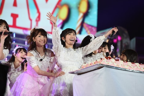 3月26日に行われた「AKB48単独コンサート」の様子。 (c)AKS