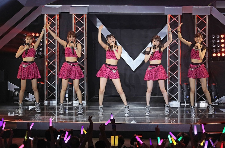 「Juice=Juice LIVE MISSION 220 ~Code3 Special→Growing Up!~」東京・中野サンプラザ公演の様子。(提供:アップフロントグループ)
