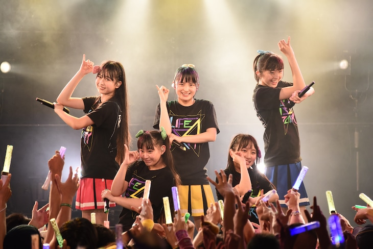 「たこやきレインボーZepp Tour~ナナイロダンスパーティー~」最終公演の様子。
