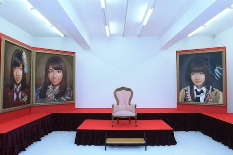 昨年実施された「AKB48 選抜総選挙ミュージアム」の様子。(c)AKS