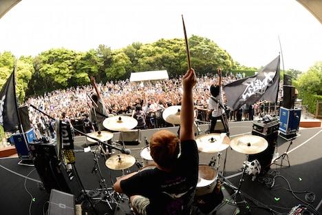 OVER ARM THROW(撮影:半田安政[showcase])