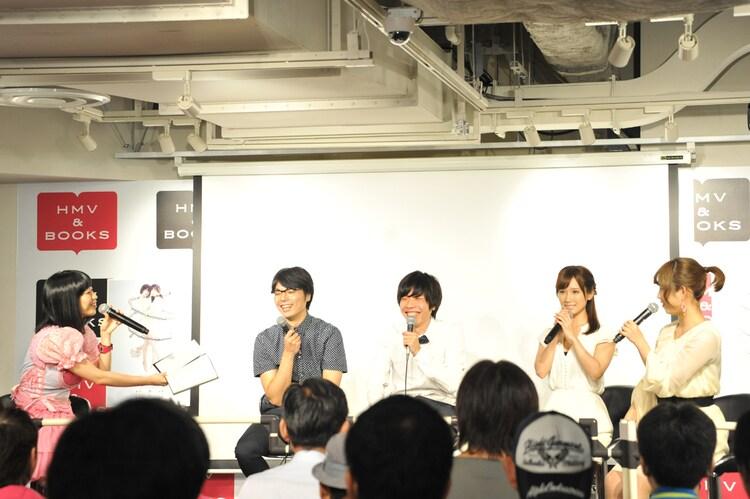 左から、ぱいぱいでか美、鳥居真道、吉田靖直、小島みなみ、紗倉まな。