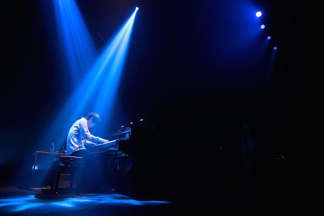 澤野弘之(写真提供:ソニー・ミュージックレーベルズ)