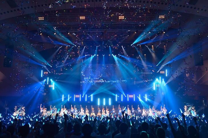 「t7s 2nd Anniversary Live in PACIFICO Yokohama 16'→30'→34' -INTO THE 2ND GEAR-」の様子。