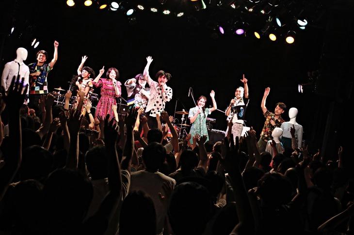 Sugar's Campaign「Sugar's Campaign単独公演『あしたの食卓』」東京・UNIT公演の様子。(Photo by TSUNEO KOGA)