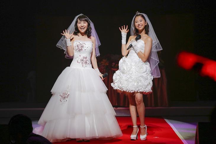 百田夏菜子&玉井詩織「ももたまい婚」の様子。(photo by HAJIME KAMIIISAKA)