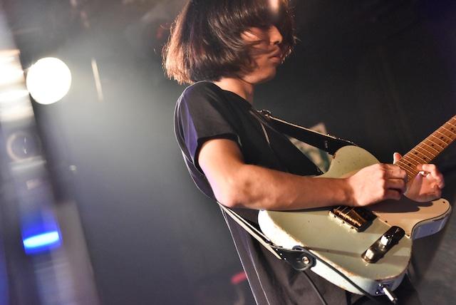 飯村悠介(G / polly)(Photo by Daisuke Miyashita)