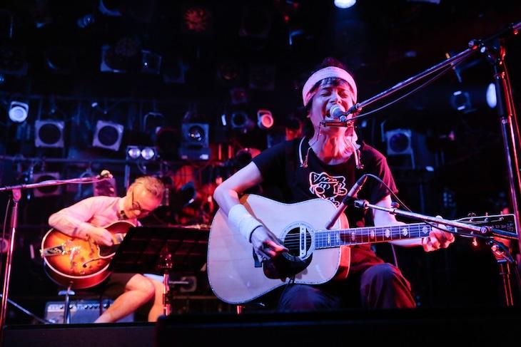 ましまろ「ほーぼーツアー2016」東京・渋谷CLUB QUATTRO公演の様子。(撮影:柴田恵理)