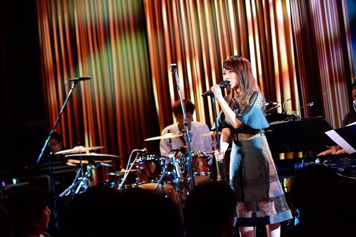 高橋みなみ(写真提供:EMI Records)