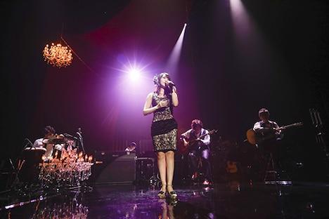 「MTV Unplugged: Nana Mizuki」の様子。(Photo by hajime kamiiisaka)