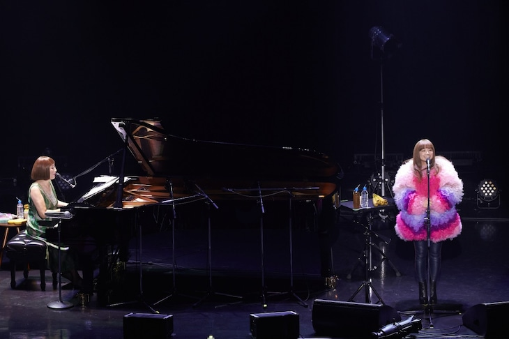 「J-WAVE SPECIAL LIVE 矢野顕子 40th Anniversary ふたりでジャンボリー」東京・Zepp DiverCity TOKYO公演の様子。(Photo by TSUKASA MIYOSHI [Showcase])
