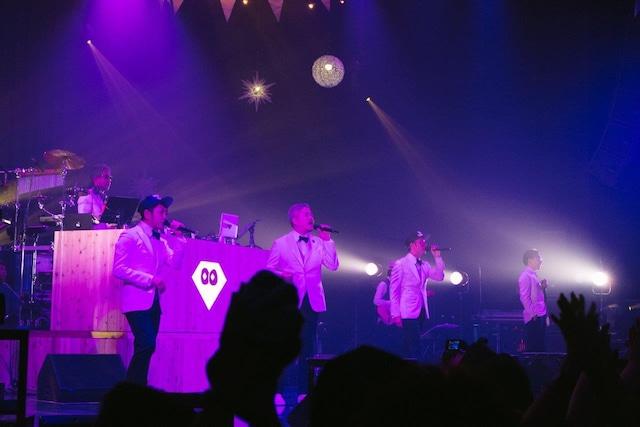 "RIP SLYME「RIP SLYME TOUR 2016 ""CHRISTMAS TRIP""」Zepp Tokyo公演の様子。(Photo by Yusuke Oishi  [Marco Monk fiLM])"