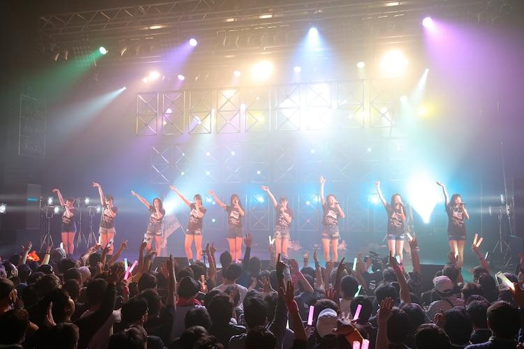 """「東京パフォーマンスドール ダンスサミット""""DREAM CRUSADERS""""~WE ARE TPD!さぁ、共に駆け抜けよう!~」の様子。(写真提供:EPICレコードジャパン)"""