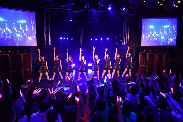 "「MAPLEZ 4th ANNIVERSARY""2nd""LIVE -Eight-」の様子。"