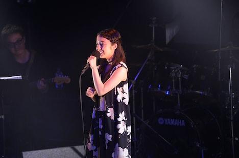 上白石萌音「Live THEATRE ~chouchou~」東京・渋谷duo MUSIC EXCHANGE公演の様子。(Photo by Jun Arakawa)