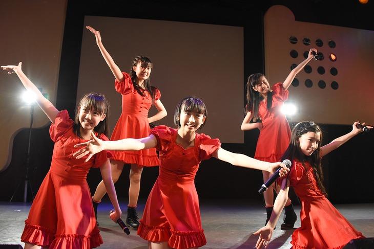 桜エビ~ず「桜エビ~ずバレンタインワンマンライブ ~だったら想い出をいっぱい作ったらいいじゃないか~」東京・渋谷duo MUSIC EXCHANG公演の様子。
