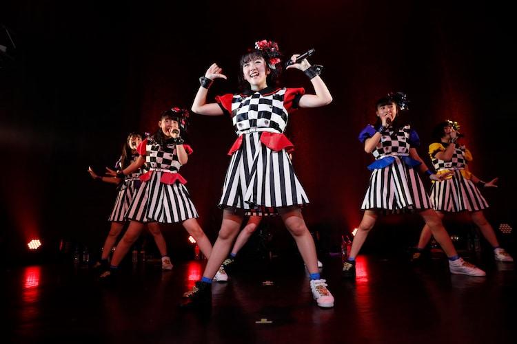 「ばってん少女隊の、田舎娘が四大都市のライブハウスを巡るツアー」DRUM LOGOS公演の様子。(撮影:濱本英介)