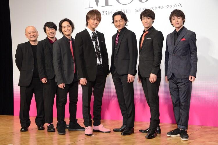 「MOJO」製作発表より、左から青木豪、尾上寛之、木村了、TAKAHIRO、波岡一喜、味方良介、横田龍儀。