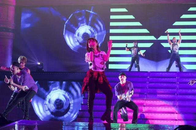 浜崎あゆみ「Just the beginning -20- TOUR 2017」神奈川・横浜アリーナ公演1日目の様子。