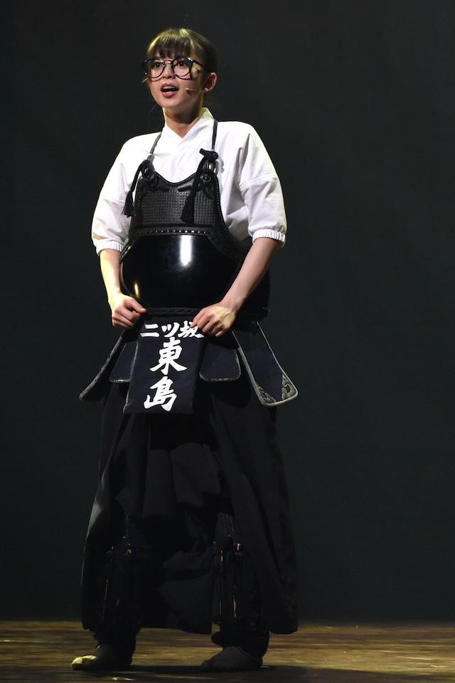 齋藤飛鳥演じる東島旭。