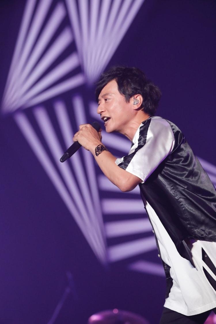 岡野昭仁(Vo / ポルノグラフィティ)(写真提供:アミューズ)
