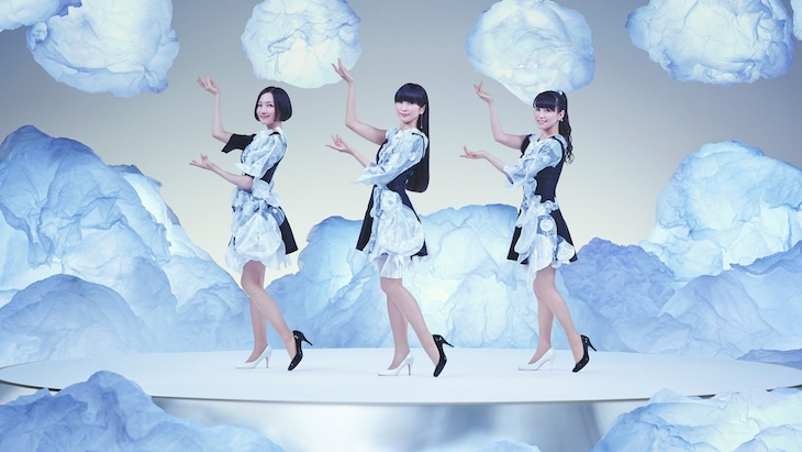 「『Everyday』-AWA DANCE edit-」ビジュアル