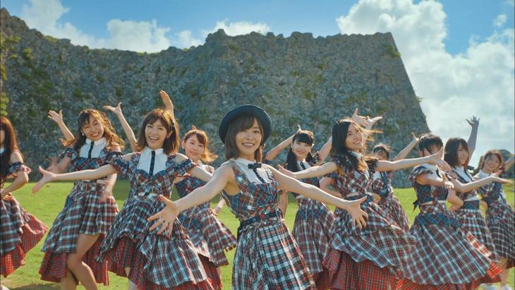 AKB48「#好きなんだ」ミュージックビデオのワンシーン。