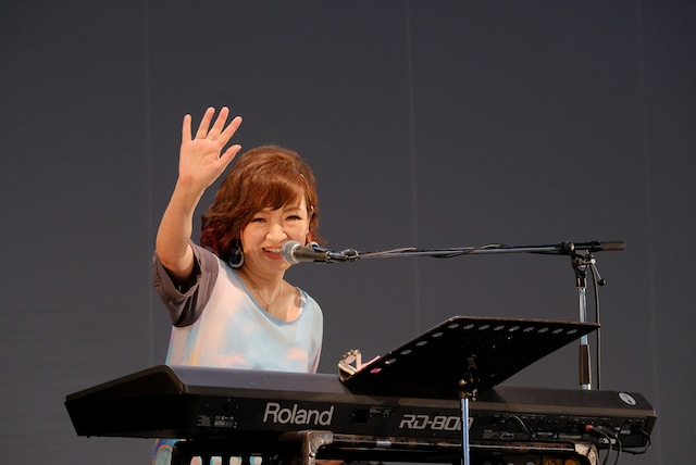 清水ミチコ (c)RISING SUN ROCK FESTIVAL(撮影:原田直樹)