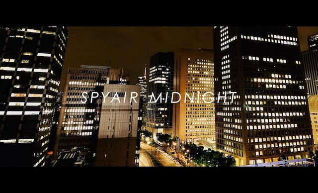 SPYAIR「MIDNIGHT」ミュージックビデオのワンシーン。