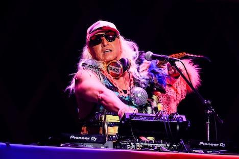 DJ KOO(Photo by HAJIME KAMIIISAKA)