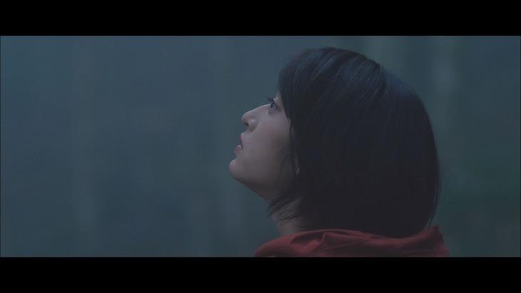 山下達郎「REBORN」MVのワンシーン。