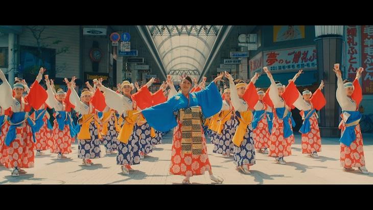 一青窈「七変化」ミュージックビデオのワンシーン。