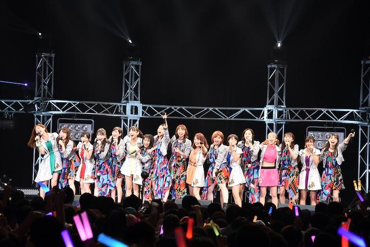 「NTT DOCOMO presents アンジュルムVSアップアップガールズ(仮) ~THANK YOU! DEAR MY FRIENDS~」の様子。