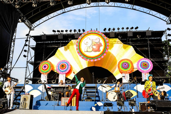 「クリアアサヒ Presents OSAKAウルフルカーニバル ウルフルズがやって来る!ヤッサ2017 ~ウルフルズ25祭!!~」の様子。(撮影:渡邉一生)
