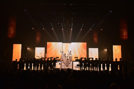 Linked Horizon「Linked Horizon Live Tour 2017 『進撃の軌跡』」最終公演の様子。(撮影:佐藤祐介)